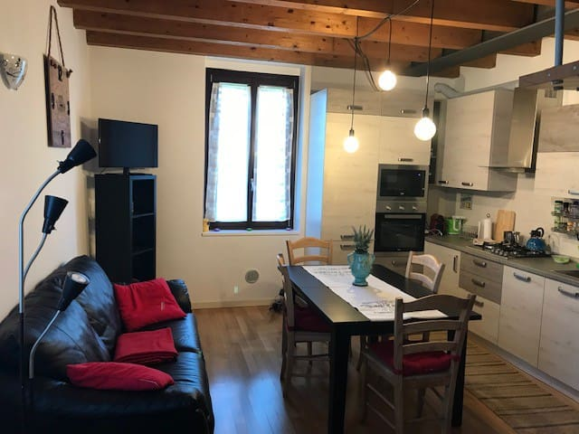 Lovely Flat 20 mins from Milan,10 mins from Monza
