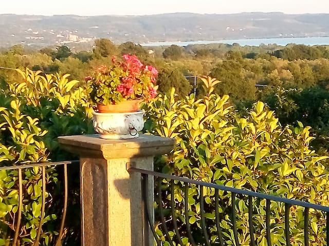 "Casa Vacanze ""PARADISO""      vista lago di Bolsena - San Lorenzo Nuovo - Villa"