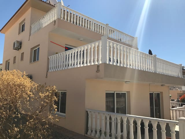 LUXURY APARTMENTS D7 near NISSI BEACH - Ayia Napa - Appartement