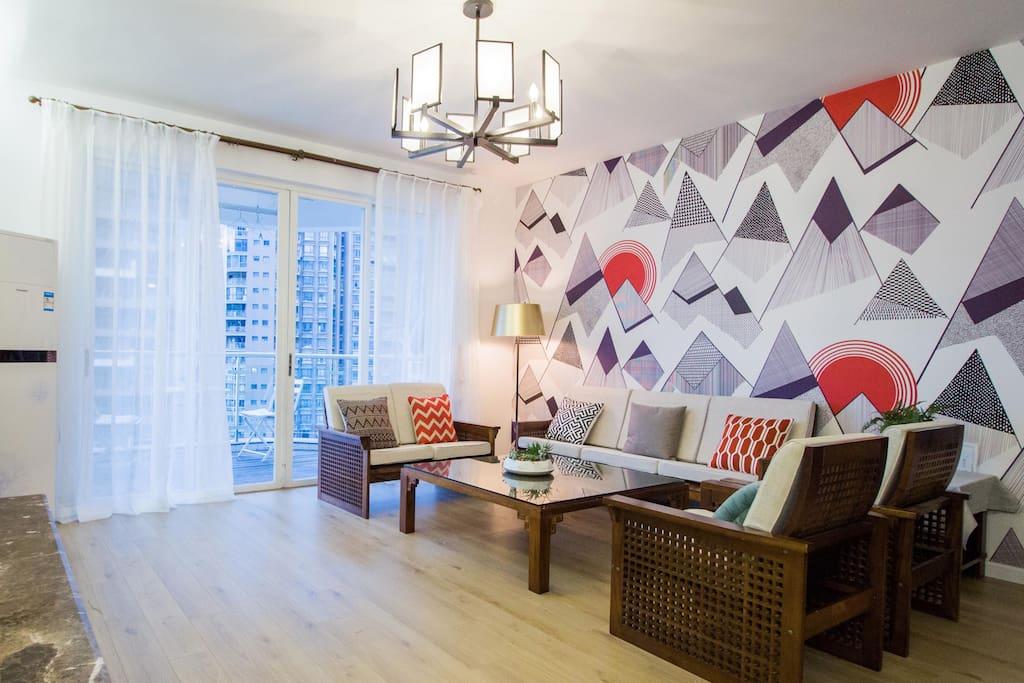 宽敞、明亮、舒适、时尚而又赏心悦目的客厅。