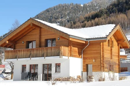 5 Star chalet – in historic Ernen - Ernen - บ้าน