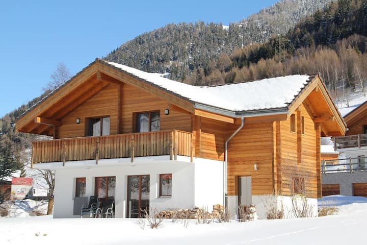 5 Star chalet – in historic Ernen