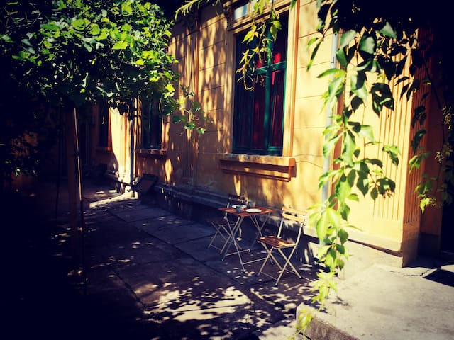 🏡  Most Central PRIVATE House with Garden  🏡