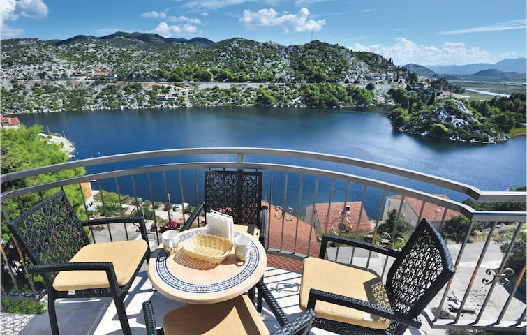 Holiday apartment with 3 bedrooms on 110 m² in Birine