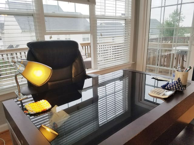 Dedicated work space with lots of natural lighting. Plug in and work efficiently with a relaxed environment.