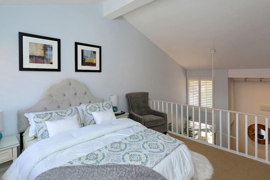 Queen loft bedroom