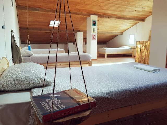Azores Bagus Surf House _1 bed (B) in shared room