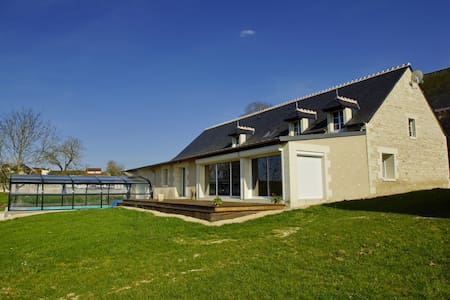 Maison avec sauna, spa, piscine couverte-chauffée - Sérigny - Rumah tumpangan alam semula jadi