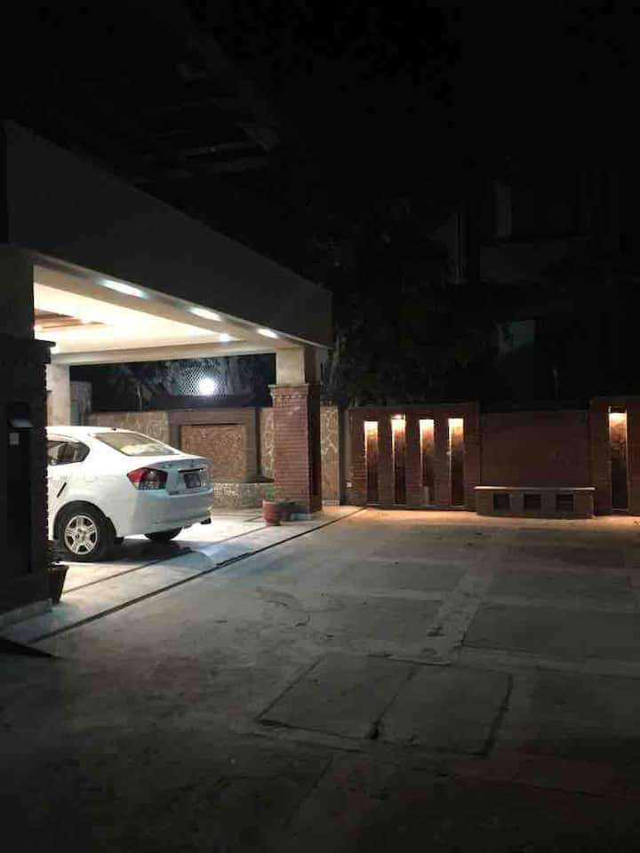 Luxury Two Bedroom Villa. Located in Cantt