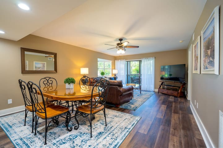 Completely Renovated 2 Bedroom Condo at Windsor Court at Kingston Plantation 12B