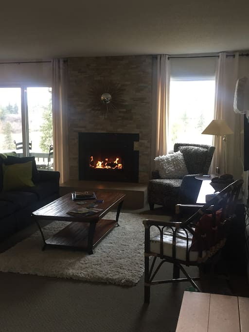 The living area and gas fireplace. Get ready to be comfy.