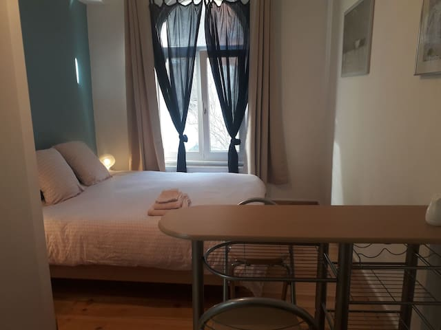 Flagey-Ixelles B&B private comfortable+stylish