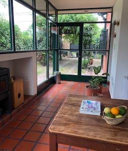 Gonnet, casa rodeada de naturaleza, paz y confort