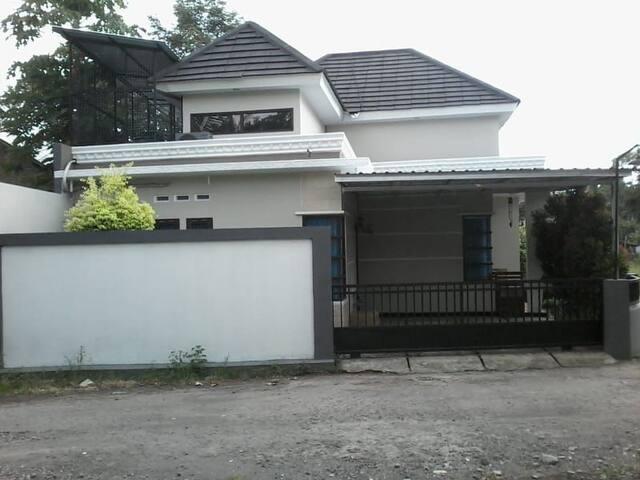 3 Bedroom At Gancah Gh Yogyakarta