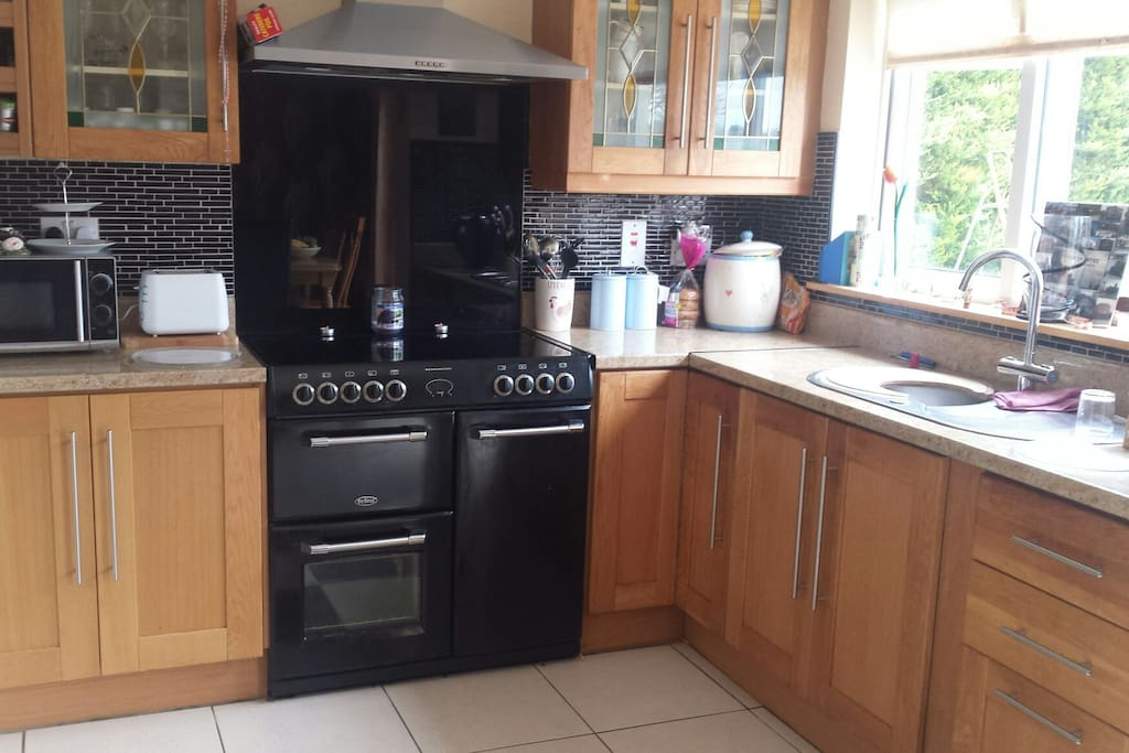 Large kitchen - help yourself to a cuppa