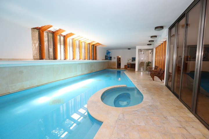 Villa with heated indoor swimming pool