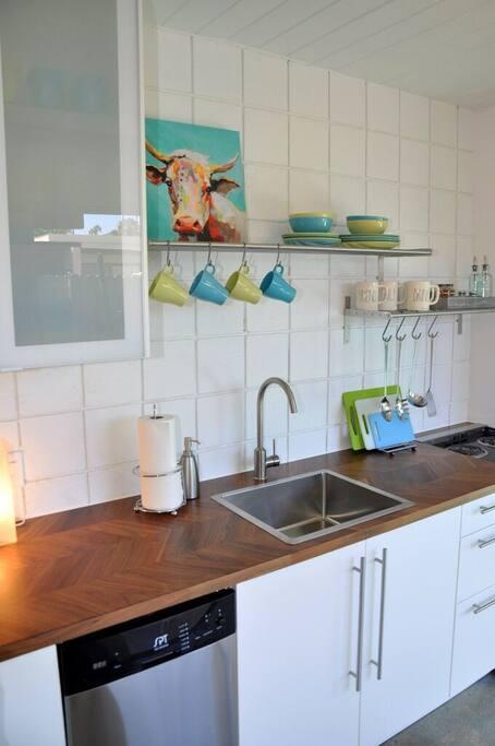 Modern Newly Renovated Kitchen