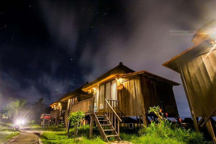 2 Cabin • Farmer's Wooden Cabin W/ Rice Paddy View