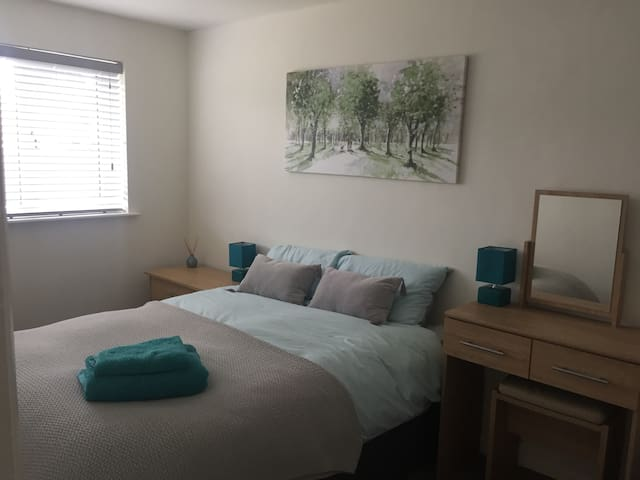 Spacious double bedroom in West Chippenham