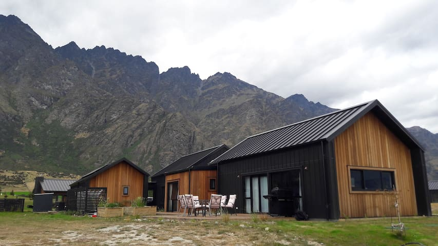Jacks Point, Queenstown 2 bedroom private hideaway
