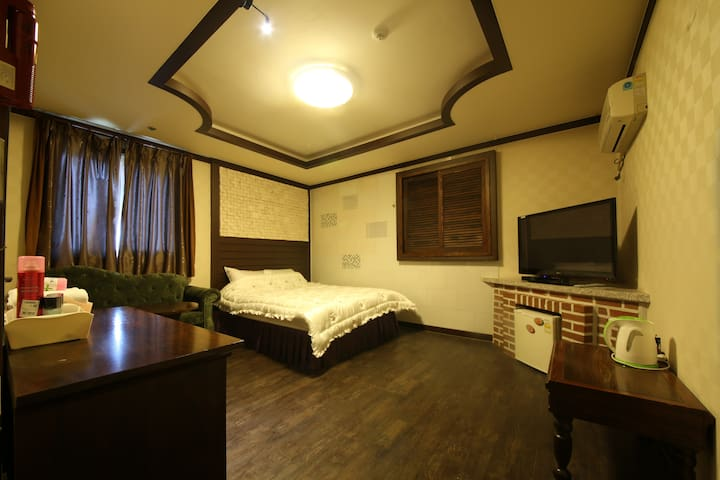 BALI MOTEL(발리모텔) Deluxe Room2 디럭스룸 - Gongju-si - Andere