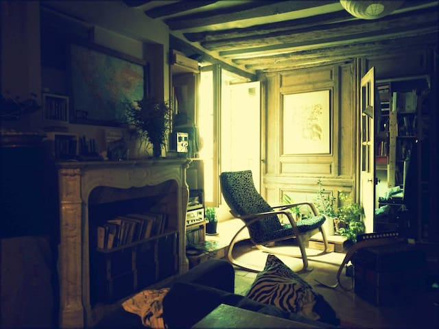 Chambre privée dans les anciennes écuries Colbert - แวร์ซาย - บ้าน