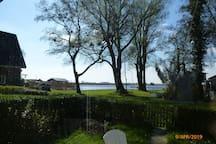 Prachtig zicht op het meer vanuit het vakantiehuisje