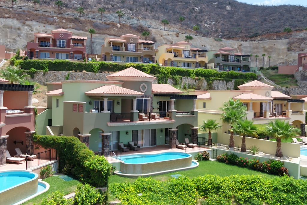 Montecristo Villas
