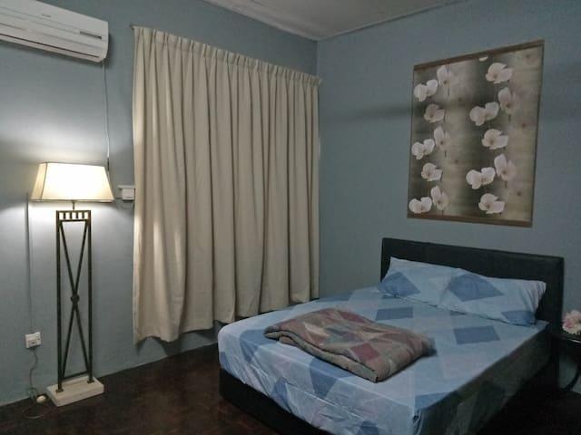 Avasi Home (Masteroom with Private Bathtub)