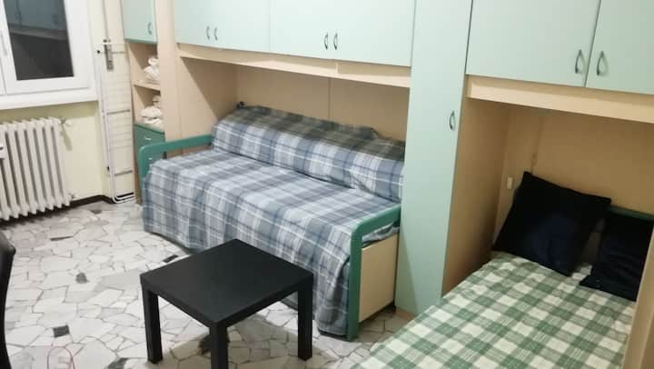 Large and nice room in Pavia