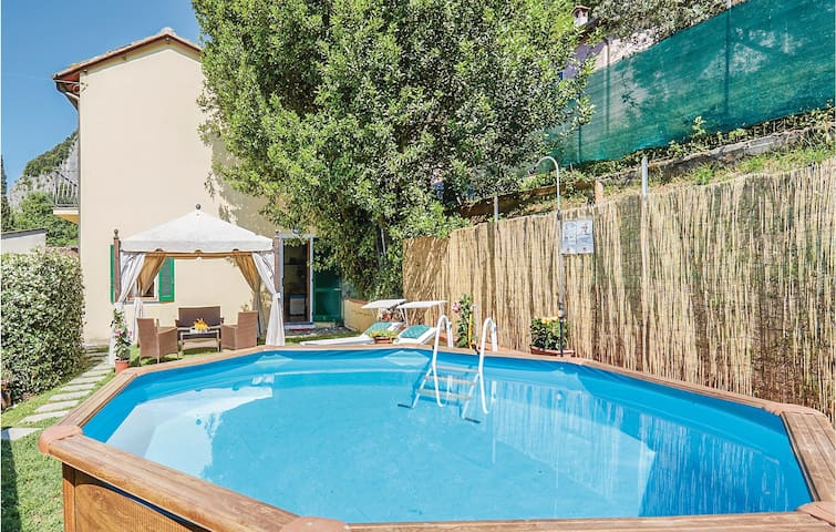 Holiday cottage with 3 bedrooms on 120m² in Camaiore -LU-