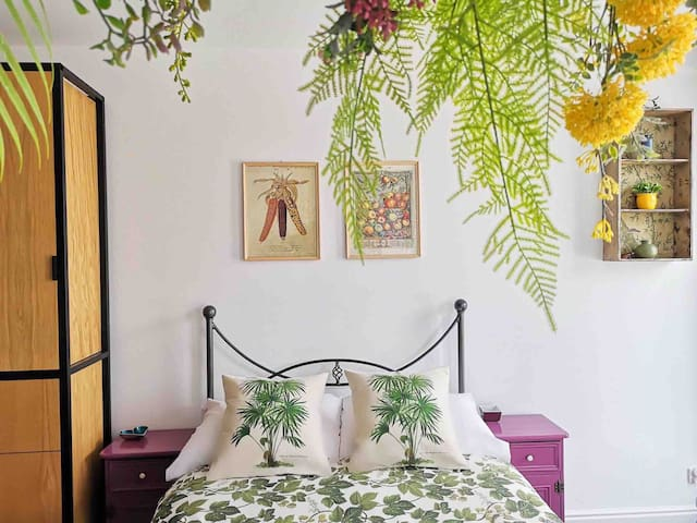 Old Town Botanique Studio apartment with lift