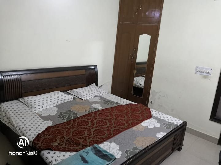 1 PVT ROOM with separate bath, ample common space