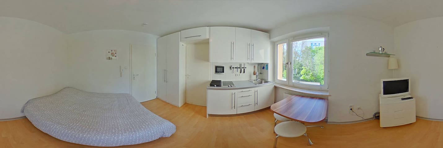 Cozy and lovely Apartment in Schwabing