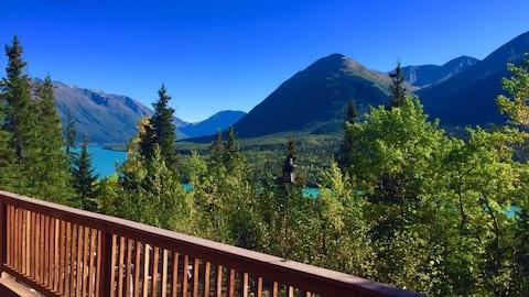 Hillside Hideaway - incredible Alaskan views!