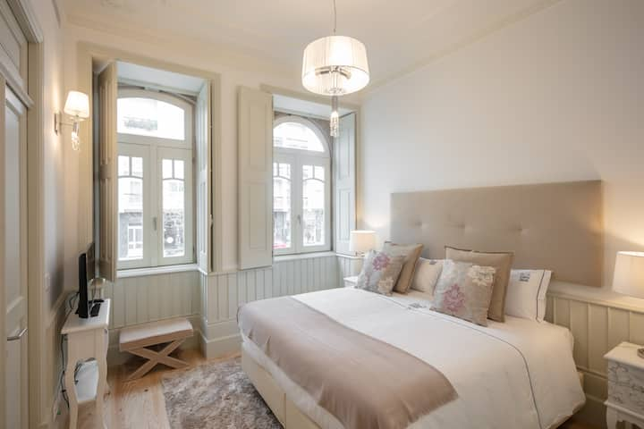 ✪ Cosy Romantic Flat for 2 + Parking ✪
