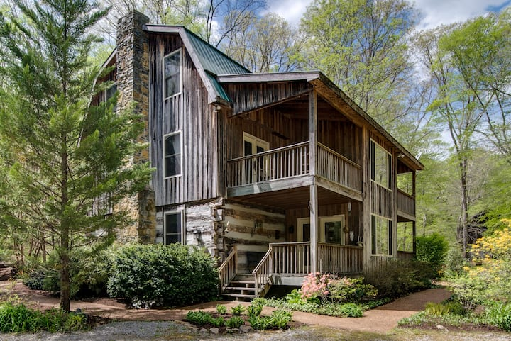 5BR/5.5 BA Cabin by the creek at Hachland Hill