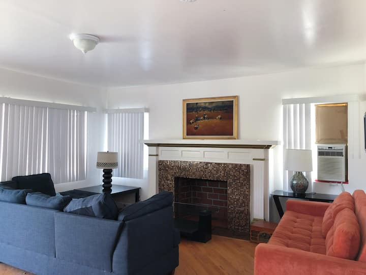 Shared Space in Hollywood, Value Monthly Deal!