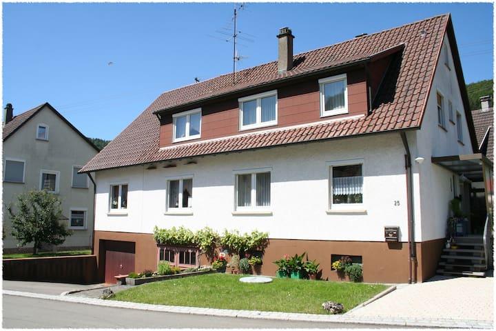 Ferienwohnung auf der Schwäbischen Alb - Nusplingen - Pis
