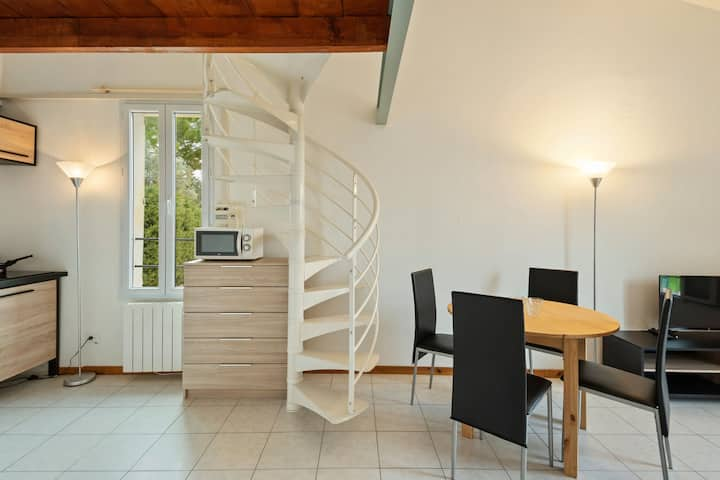 Cosy Holiday Home in Magagnosc near Golf Club