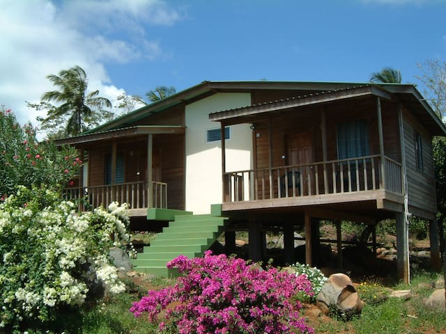 Big Sky Lodge Grenada - Crochu - Nature lodge