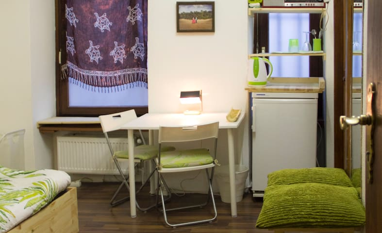 cosy room in artist studio with lots of privacy
