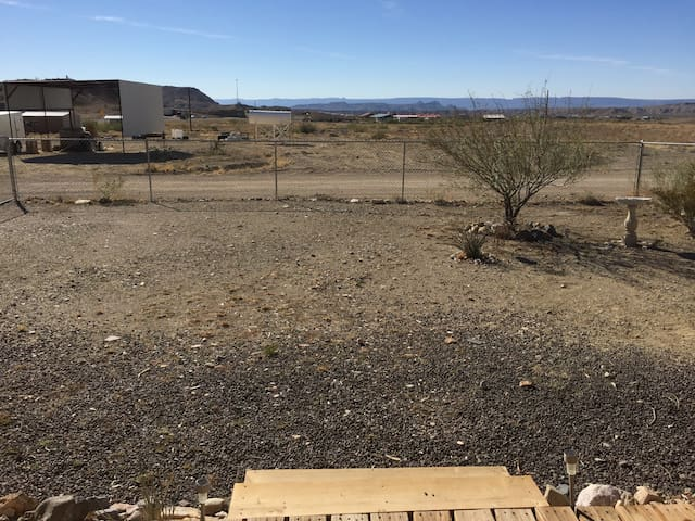 Bee Mountain Cabin #1 - Terlingua - Hytte