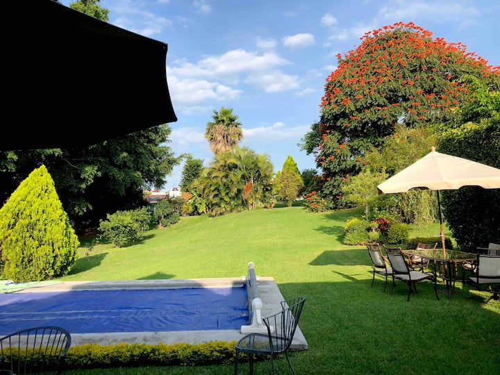 Casa Moderna, gran jardín, Lomas de Cocoyoc