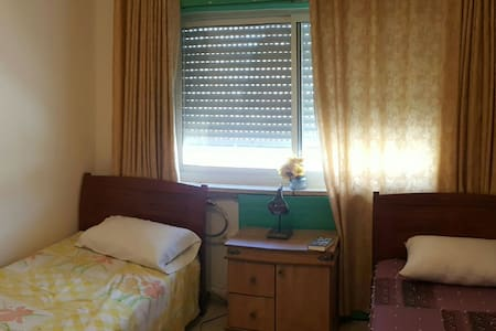 Guest House with Laundry/Gift shop - Bayt Jala - Bed & Breakfast