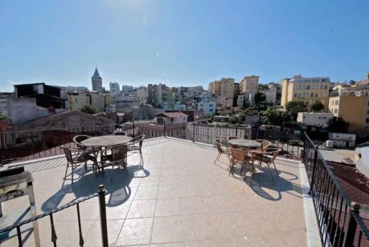 Comfortable Flat&Rooftop Terrace with View