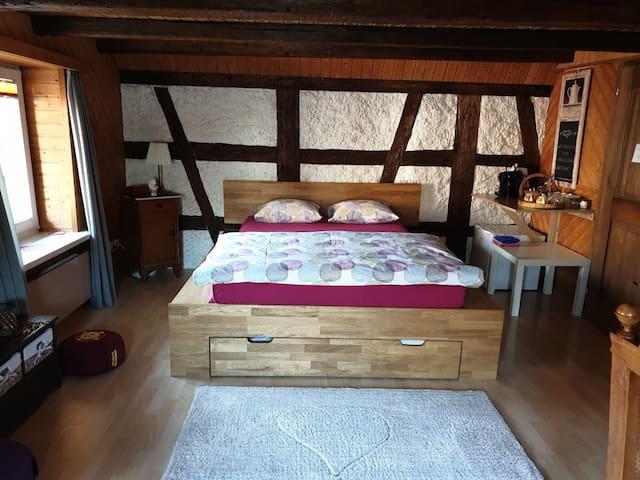 Gemütliches Zimmer, inkl. Frühstück & Parkplatz