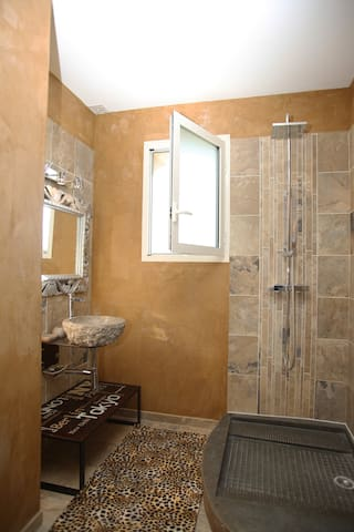 Sa salle de bain