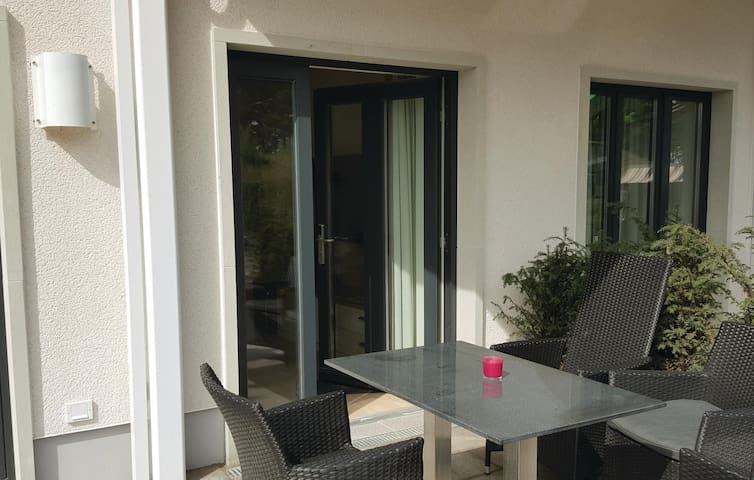 Holiday apartment with 1 bedroom on 58m² in Prora/Rügen