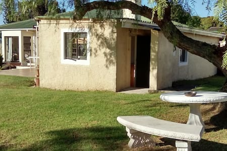 Lovely self-catering garden flatlet - Port Elizabeth